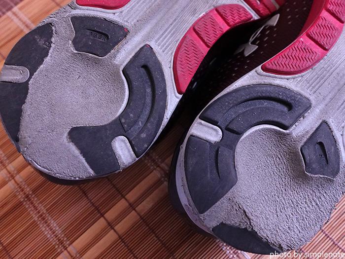 アンダーアーマーのチャージドバンディット4の靴底